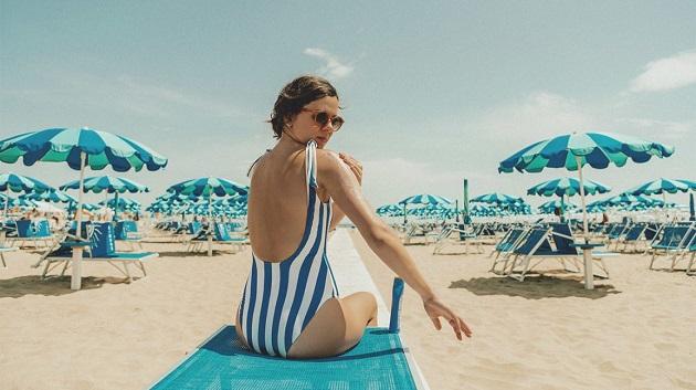 Female-Sunscreen