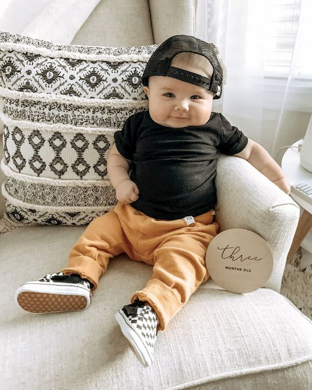 baby-in-top-and-pants