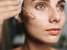 applying-oil-on-face